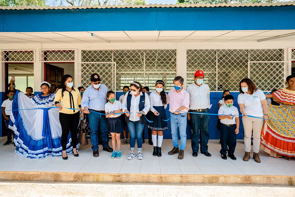 Fundación Semillas para el Progreso y Embajada de Japón mejoran ambientes escolares en zonas productoras de café