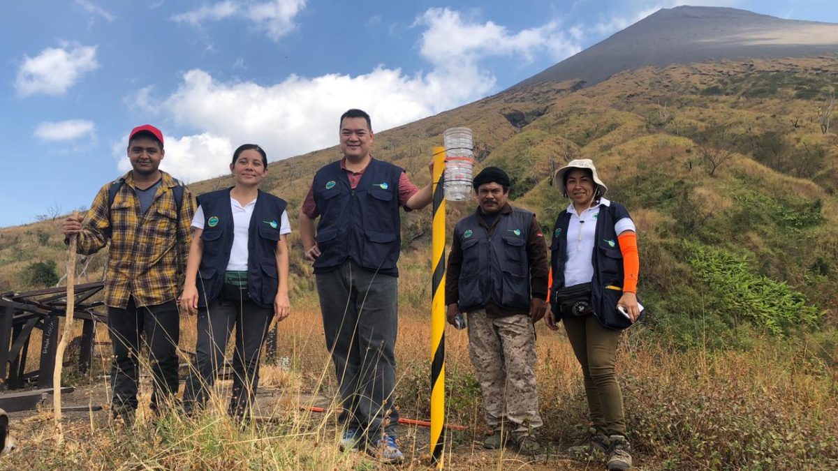 Misión Técnica de Taiwán e INETER instalan 30 Cenizómetros para la vigilancia y monitoreo de los volcanes Telica y San Cristóbal