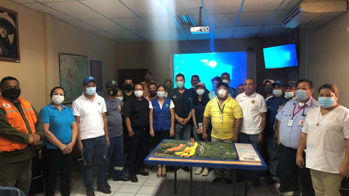 Realizan taller sobre Red de Cenizómetros para el Monitoreo y Vigilancia de Cenizas Volcánica